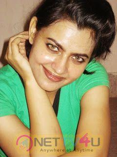 Hot N Gorgeous Leslie Tripathy HD Images Hindi Gallery