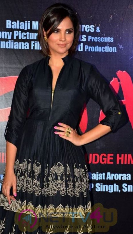 Hot N Sizzling Lara Dutta HD Images Hindi Gallery