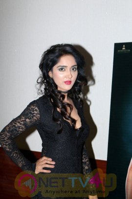 Ishq Junoon Hot Movie Trailer At Rajbeer Singh Divya Singh And Akshay Rangshahi Hindi Gallery