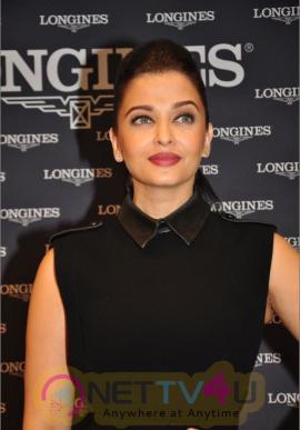 indian film actress aishwarya rai stills 10