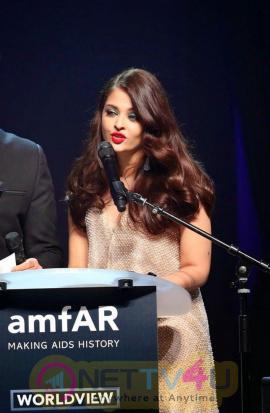 indian film actress aishwarya rai stills 19
