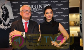 indian film actress aishwarya rai stills 3