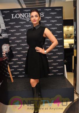 indian film actress aishwarya rai stills 6
