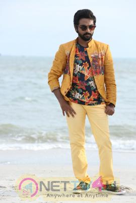 Kadavul Irukan Kumaru Movie Exclusive Stills Tamil Gallery