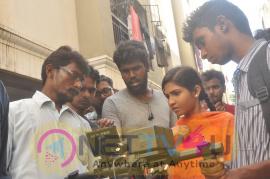 Kadhal Kasakuthaiya Movie Team Working Images