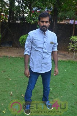 Kathal Agathi Movie Team Interview Good Looking Stills Tamil Gallery
