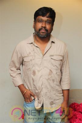 Kadavul Irukan Kumaru  Movie 1st Day On Location Photos & Latest Stills Tamil Gallery