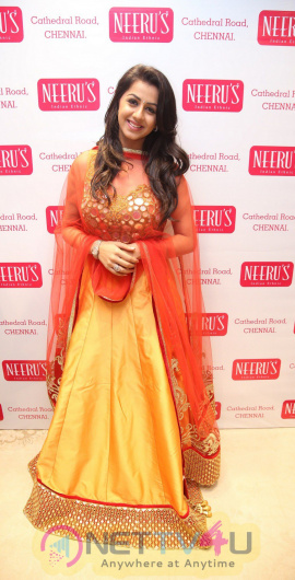 Karishma Kapoor Launches Neerus In Chennai  Exclusive Photos Tamil Gallery