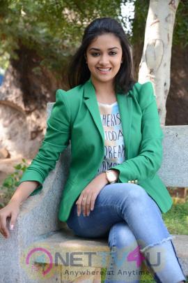 keerthi suresh malayalam film actress stills 37