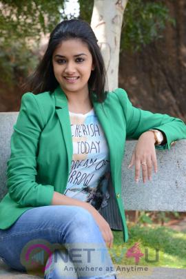 keerthi suresh malayalam film actress stills 41