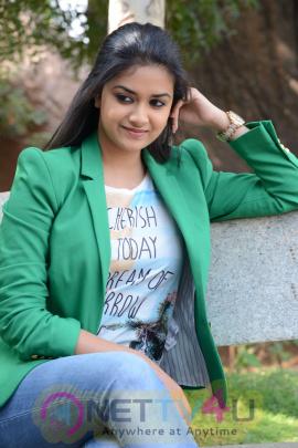 keerthi suresh malayalam film actress stills 44