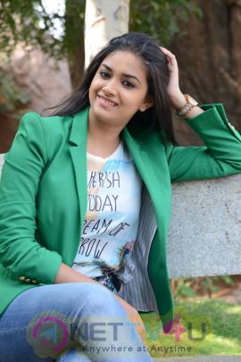 keerthi suresh malayalam film actress stills 47