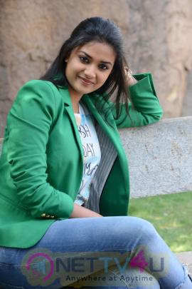 keerthi suresh malayalam film actress stills 50