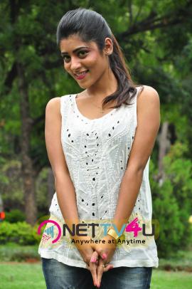 latest photos of actress gayatri at bandook platinum disc function