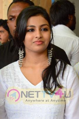 latest photos of actress kruthika jayakumar at venkatadri theatre