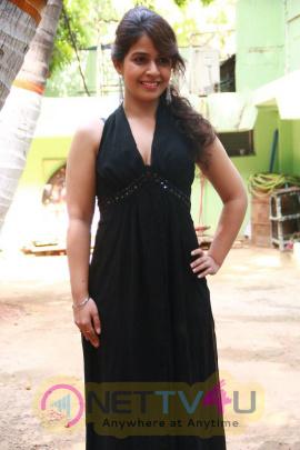 latest photos of actress neha pawar at thoda lutf thoda ishq movie press meet