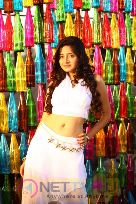 latest photos of actress poonam kaur from superstar kidnap movie 4
