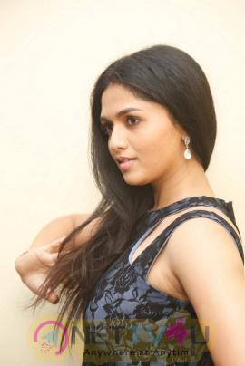 latest photos of actress sunaina at pelliki mundu prema katha movie launch