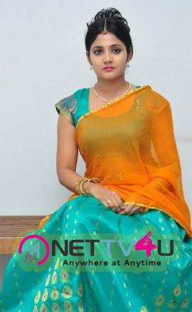 latest stills of actress aishwarya at andala chandamama press meet 17