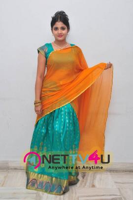 latest stills of actress aishwarya at andala chandamama press meet 19
