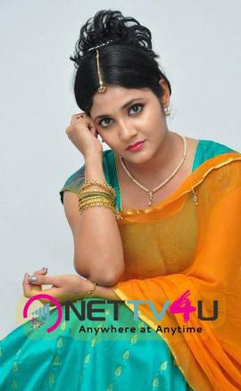 latest stills of actress aishwarya at andala chandamama press meet 20