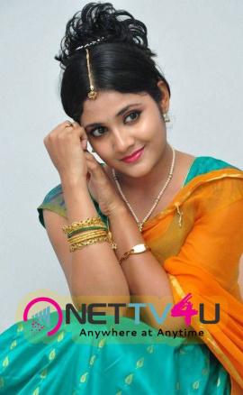 latest stills of actress aishwarya at andala chandamama press meet 22