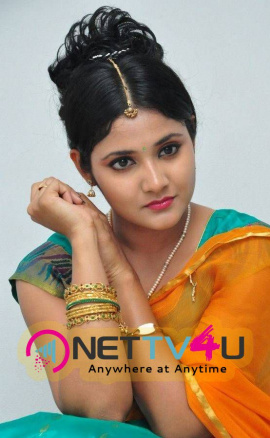 latest stills of actress aishwarya at andala chandamama press meet 28