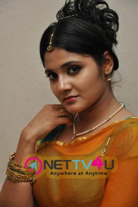 latest stills of actress aishwarya at andala chandamama press meet 30