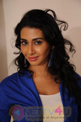 Meow Tamil Movie Exclusive Photos