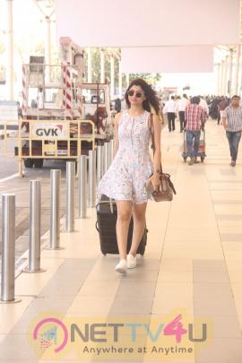 Madhur Bhandarkar Calendar Girls Lead Akanksha Kapoor Spotted At Mumbai Airport Photos Hindi Gallery