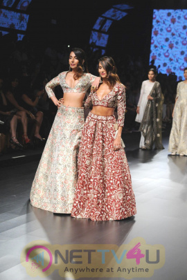 Monica Dogra And Shibani Dandekar Showstopper For Payal Singhal At LFW Summer Resort 2016 Stills Hindi Gallery