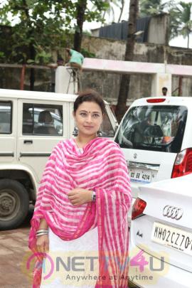 North Bombay Sarbojanin Durga Puja Samiti 2016 With Kajol Stills Hindi Gallery
