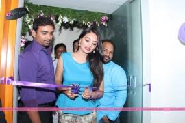 Naturals Launches Family Salon At Abids Inaugurated By Tollywood Actresses Nikitha Narayan