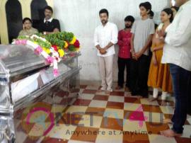 Photos Of Celebrities Pays Last Respects To Vietnam Veedu Sundaram Tamil Gallery