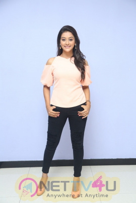 Pooja Jhaveri Attractive Stills At Dwaraka Movie First Look Launch