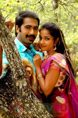 Puyala Kilambi Varom Tamil Movie Enticing Stills Tamil Gallery