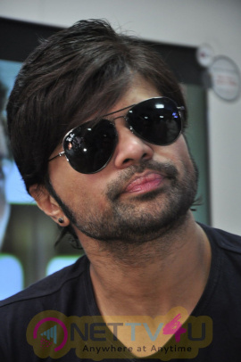 Photos Of Himesh Reshammiya Teraa Surroor Movie Press Meet At Yes Mart Showroom Madhapur Hyderabad