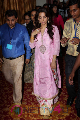 Photos Of Juhi Chawla & Devendra Fadnavis At Inauguration Ceremony Food Canteen In Cooper Hospital