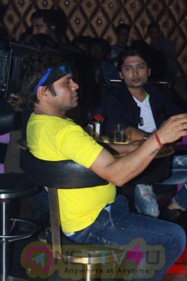 Rajpal Yadav & Sanjay Mishra At On Location Film Hume To Loot Liya 3 Photos