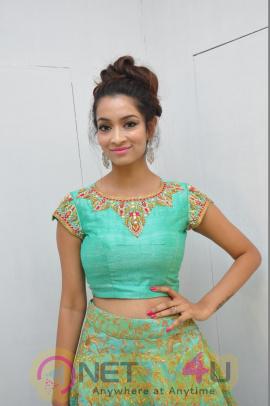 Rashmi Thakur Attractive Pics At S2 Womens Showroom Launch