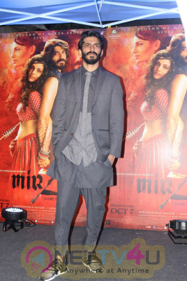 Red Carpet For Dinner & Get Together With Arjun Kapoor & Harshvardhan Kapoor By Rohit Khattar Photos Hindi Gallery