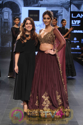 Ridhi Mehra At Lakme Fashion Week Winter Festive 2016 Photos Hindi Gallery
