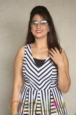 Rojulu Marayi Platinum Disc Function Photos & Actress Manjusha Statuesque Stills Telugu Gallery