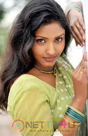 Roja Komaravolu New Actress Photo Shoot Images