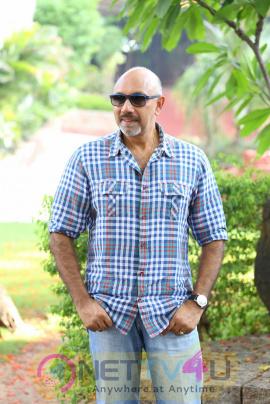 Sathyaraj Dora Interview Exclusive Photos Telugu Gallery