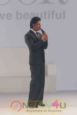Shah Rukh Khan At The Launch Of D'Decor Digital Interface Photos Hindi Gallery