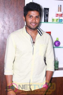 Sakshi Agarwal & Yashmith Inagurates B Image Unisex Salon & MakeOver Studio Images Tamil Gallery