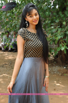 sanam cheety latest pic 15