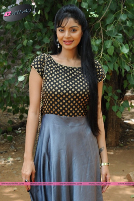 sanam cheety latest pic 24