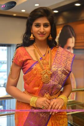 shamili sounderajan showcases cmr jewellery at hyderabad
